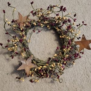 Other - Metal star primitive berry wreath